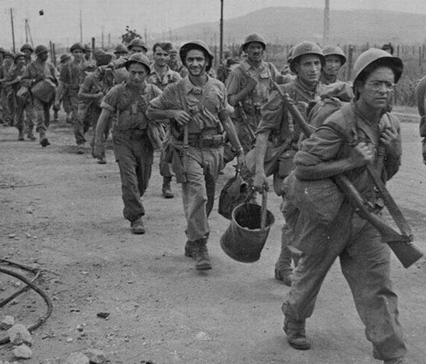 Ф солд идут от сен тропе к Тулону авг 1944