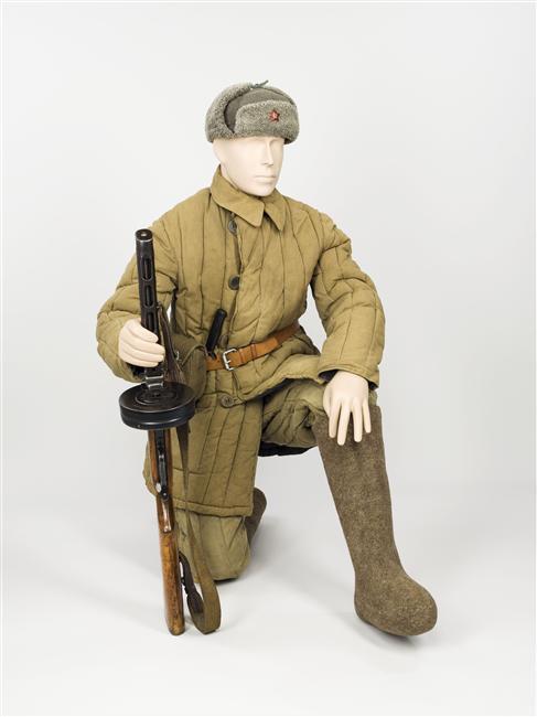 Пехотинец в зимней форме муз армии