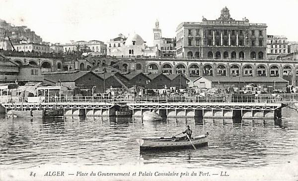 Алжир пл прав и конс дворец из порта.jpg