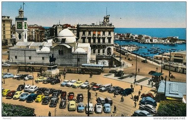 Алжир пл правительства 19.jpg