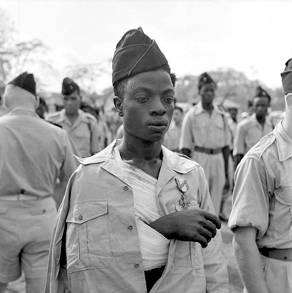 После получения медли солдат 24 полка сен стр Тонкин 1953.jpg