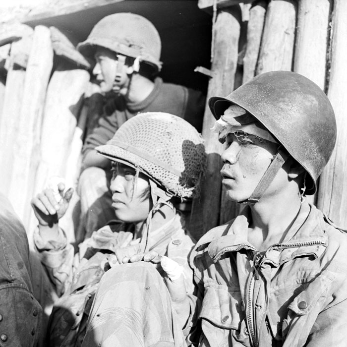Раненые солдаты вьетнамского батальона BPVN янв 1954 П Феррари.jpg