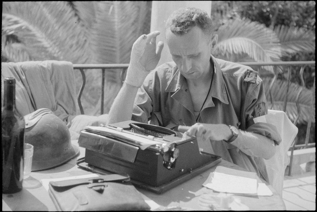 Репортер Радио Франс Пистов авг 1944 Ж Белен.jpg