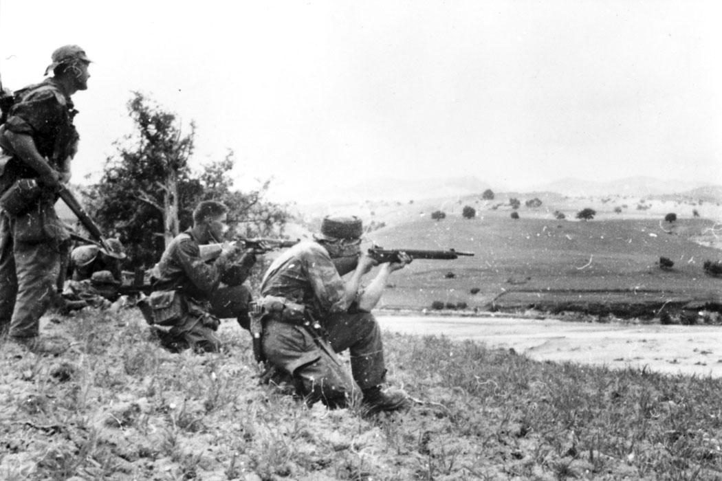 08 солдаты март 1958 Берту.jpg