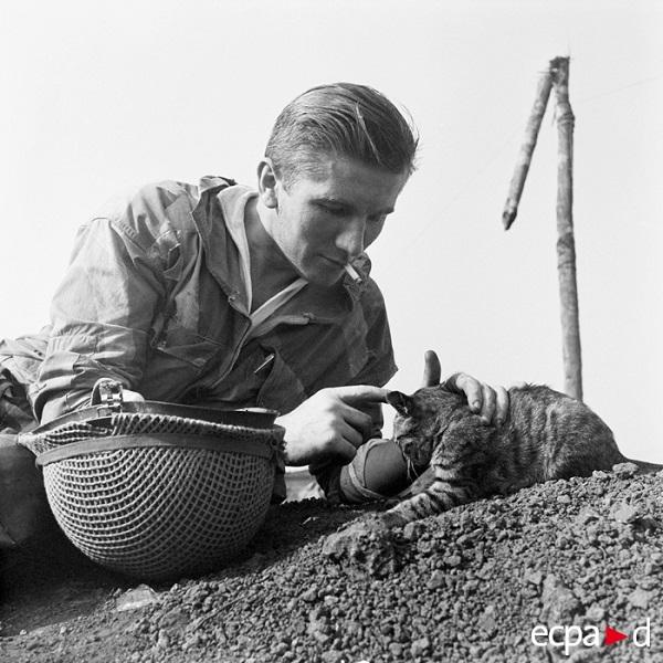 В форте Изабель Индокитай март 1954 Даниель Камю.jpg