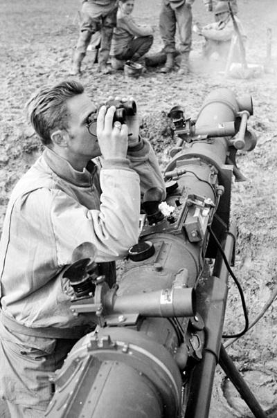 Американец наблюд троф телеметр сент окт 1944 Жак Белен.jpg