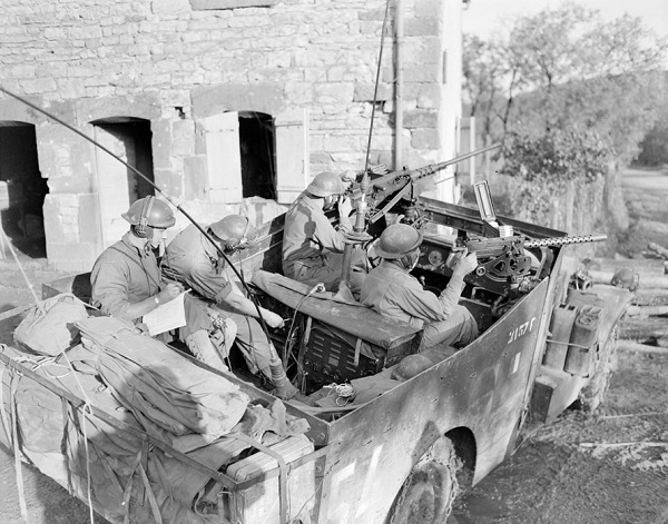 Рпдиопост 3 полка мароканских спаги сеннт окт 1944 мЖак Белен.jpg