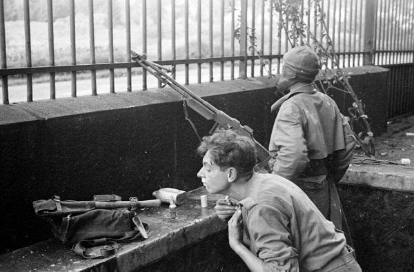 Солдаты 3 полка алж стр в Сальксюр сюр Мазелотт сент окт 1944 Жак белен.jpg