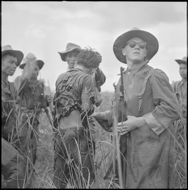 Арест замаск сторонника Вьет миня в Кохинхине май июнь 1951 Рауль Кутар.jpg