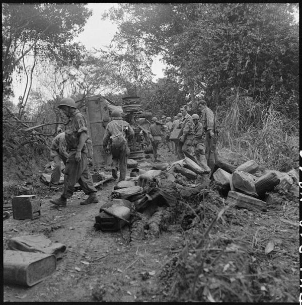 Легионеры после засады 12 15 дек 1951 Ги Дефив ила Рамон Вароки.jpg