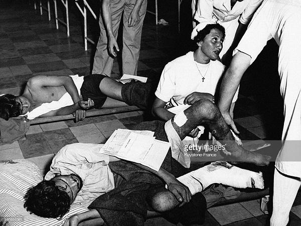 Прибытие в госпиталь Ланессан второй партии раненых из ДБФ 18 мая 1954.jpg