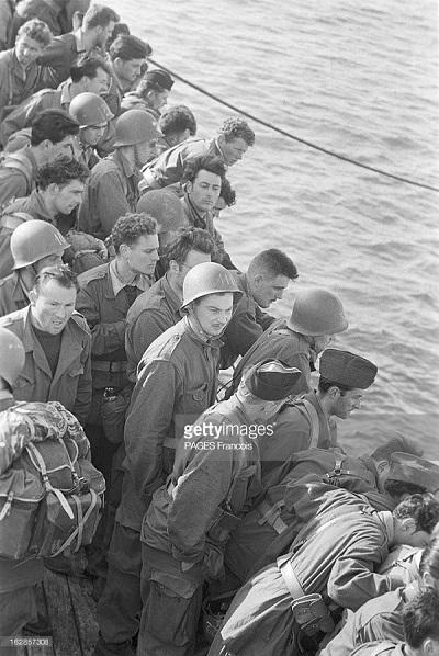 Прибытие призывником на корабле Город Оран 14 b.yz 1956 Франсуа Паж илиПажес.jpg
