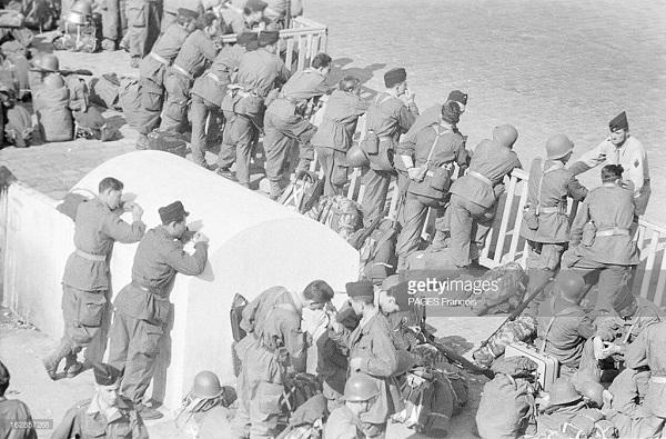 Прибытие призывником на корабле Город Оран 14 июня 1956 Франсуа Паж илиПажес 9.jpg