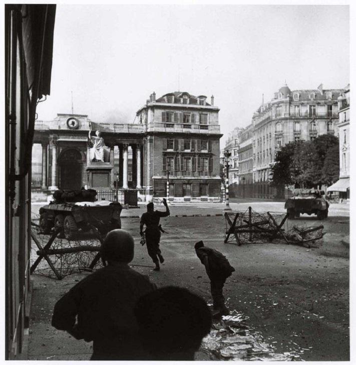 Освобождение Парижа rfgf.jpg