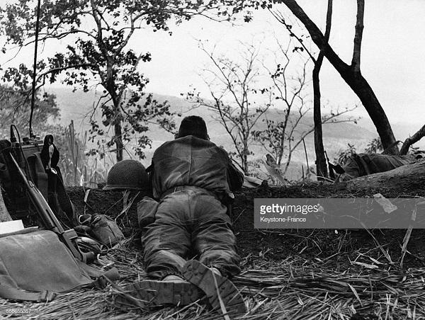 Бой в джунглях фвев 1954.jpg