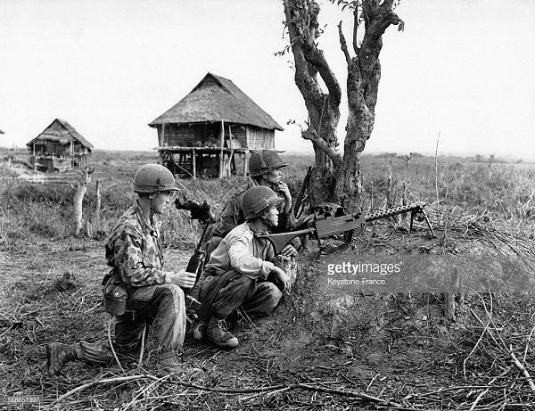 пулемет в боевой готовности мар 1951.jpg