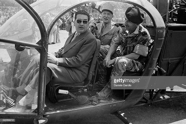 в вертолете с Сустелем май 1958 Даролль.jpg