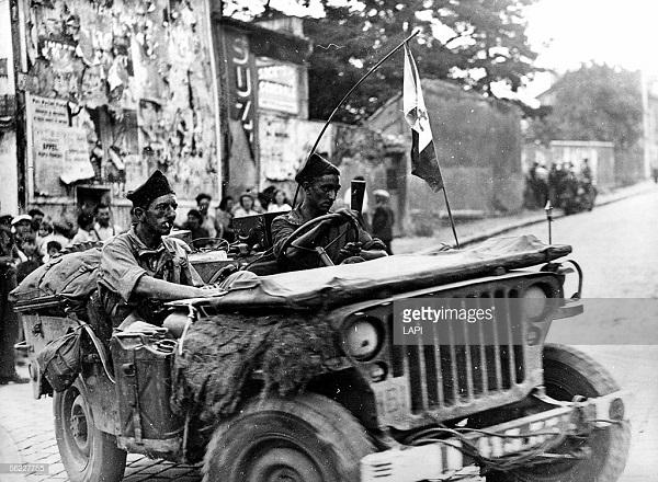 27 авг 1944 2 бд Роже Вьолле.jpg