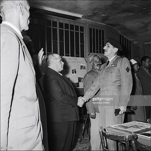 Массю и местные власти июнь 1957 Насредин Зебар.jpg