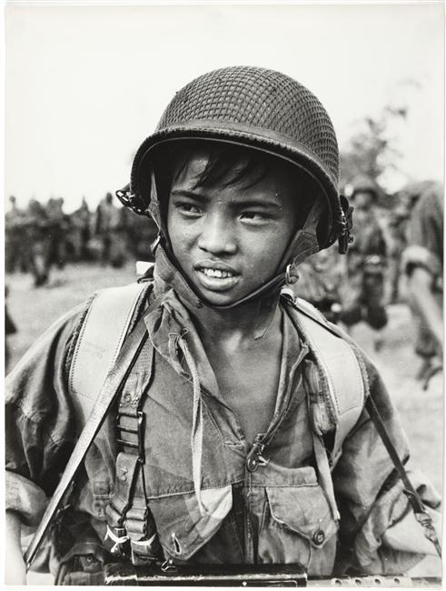 Солдат Tuat 2 пар  бат  ИЛ 24 сент 1953 П Феррари Муз арм.jpg