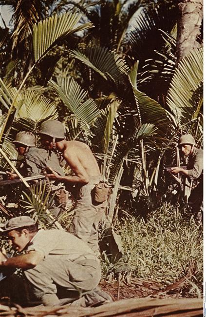 Амер солдаты в джунглях 1 авг 1942 неиз Берлин.jpg