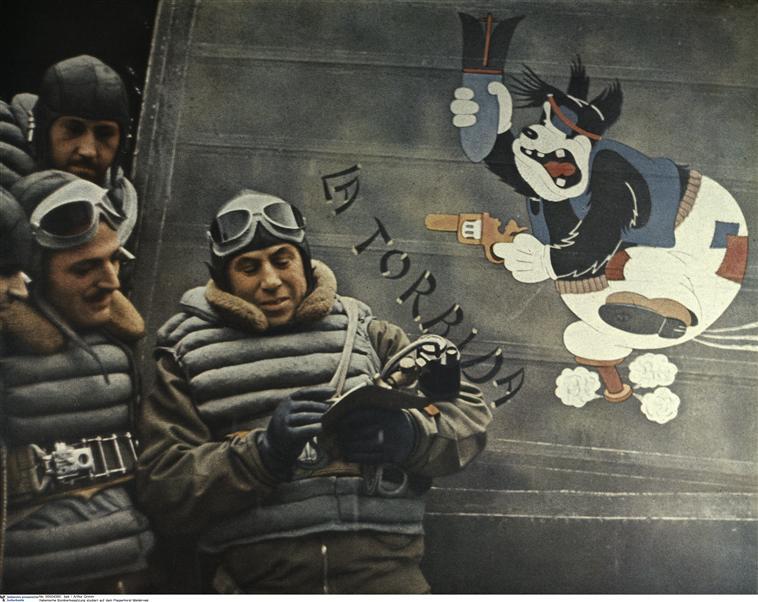 Ит пилоты на аэродроме в Мелсброке нояб 1940 Берлин.jpg