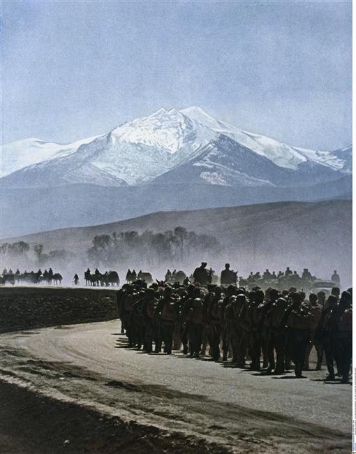 Немецкие солдаты в Греции апрель 1941 Берлин.jpg