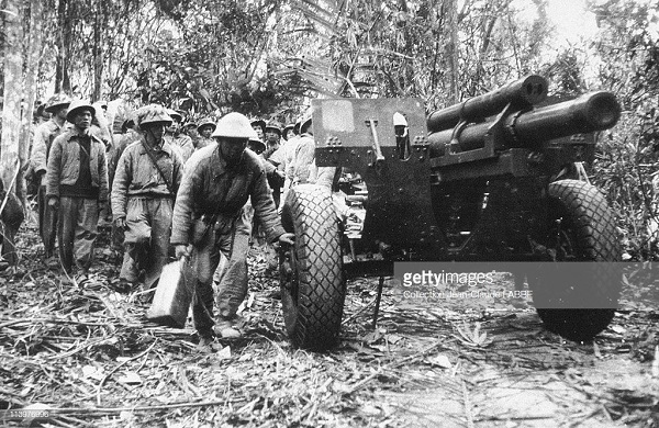 1 Вьет артил май 1954.jpg