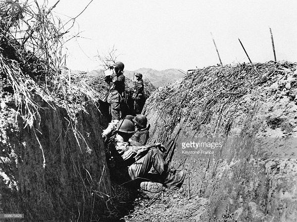 В окопах 26 марта 1954.jpg