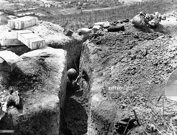 обустройство окопа 19 марта 1954.jpg