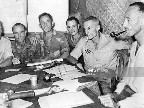 парашютисты 14 марта 1954.jpg