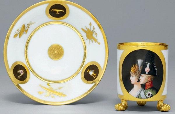 Christies, Paris porcelain12 - 13 October 2009-1.jpg