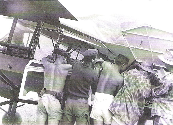 09 Ту Ле окт 1952 Эвакуация раненых.jpg