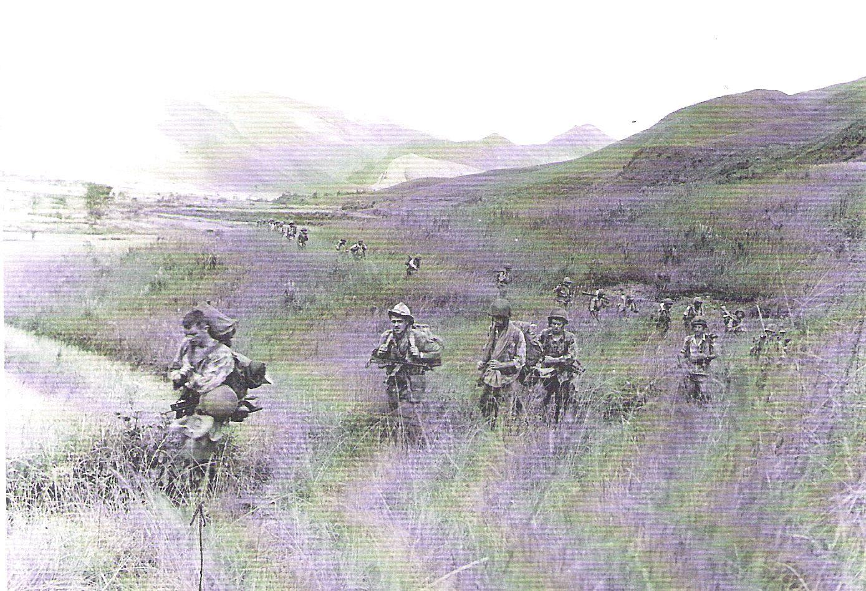 16 Ту Ле окт 1952 возвращение батальона впереди  Марсель Карион и Анри Легран.jpg