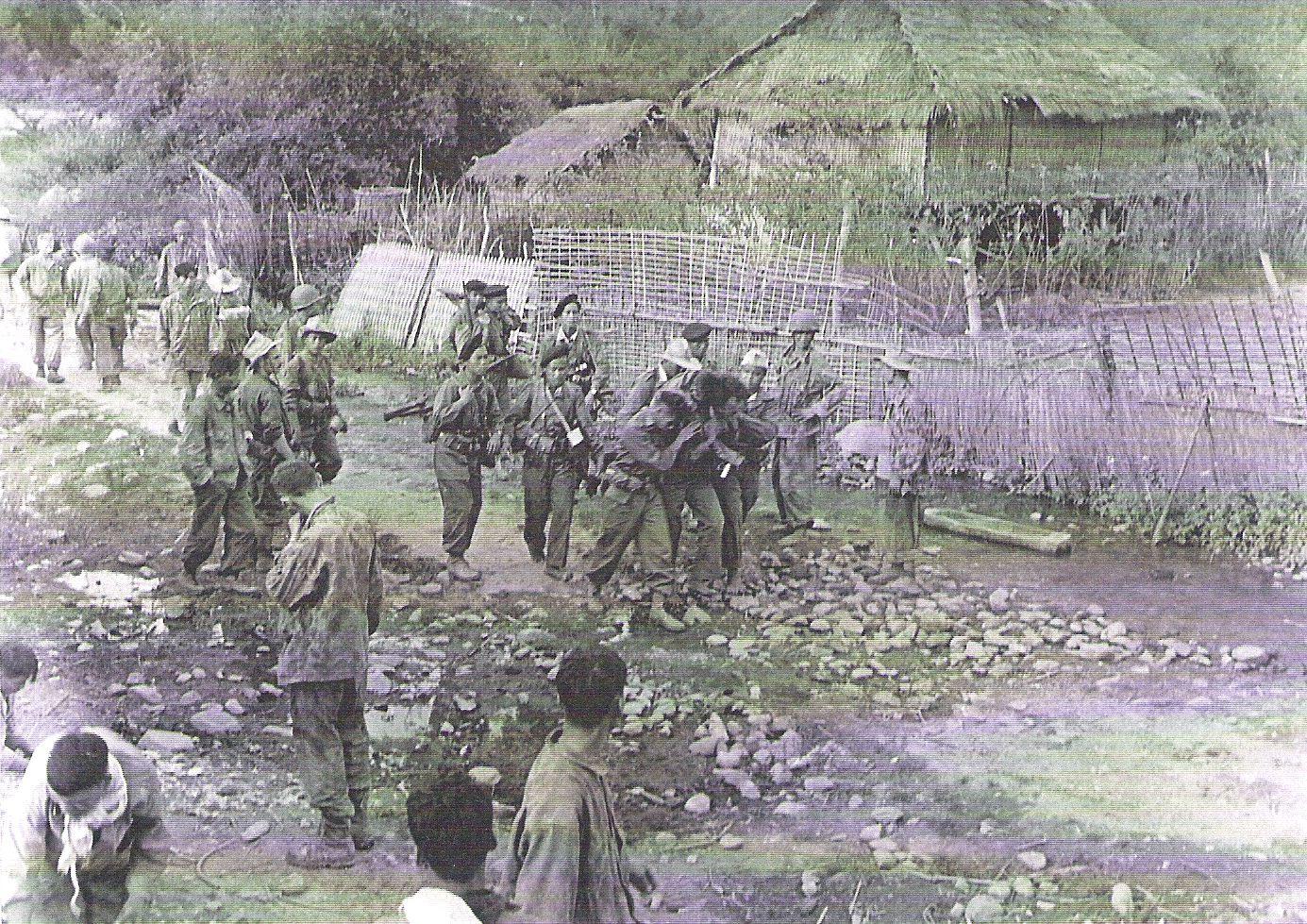 16 Ту Ле окт 1952 прибытие колонны в Муонг Шен.jpg