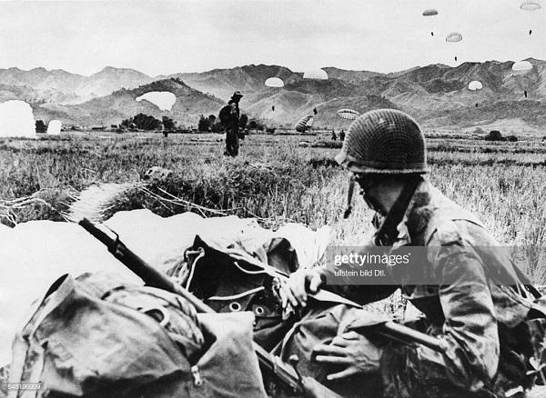 Высадка легионеров в ДБФ 16 марта 1954.jpg