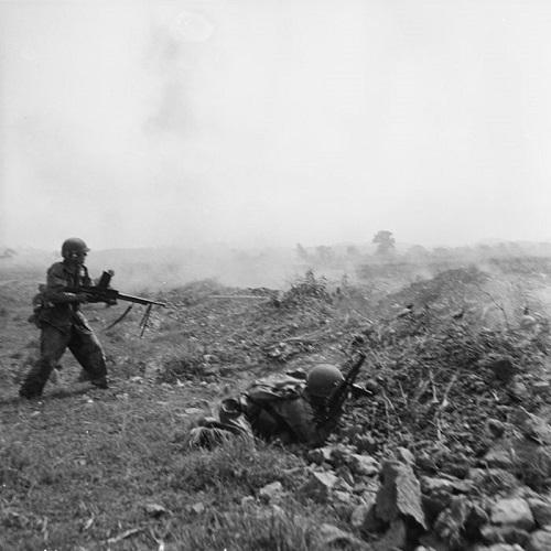 Атака на вьет поз на юге ДБФ март 1954 Камю Перо.jpg
