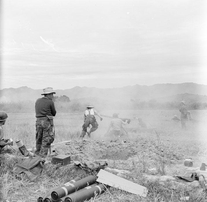 Обслуживание бехзотк орудим 75 ии 35 пар полка легк арт 20 24 нояб 18953 Камю.jpg