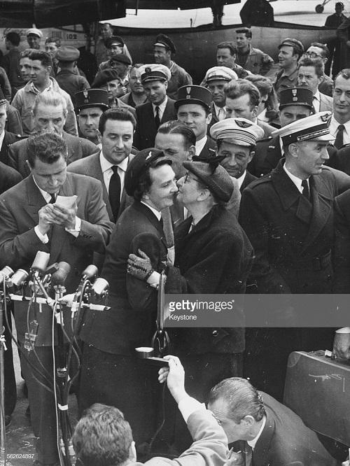 4 де Галар в Орли после осв май 1954 3.jpg