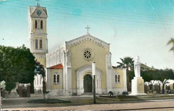 Сен Дени де Сиг Церковь10.jpg