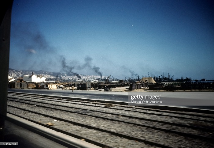Горящие танкеры в гавани Алжира сент 1943 Иван Дмитрий Мишель Ош.jpg