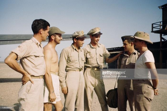 Военные на ам базе сент 1943 иван Дмитрий Мишель Ош.jpg
