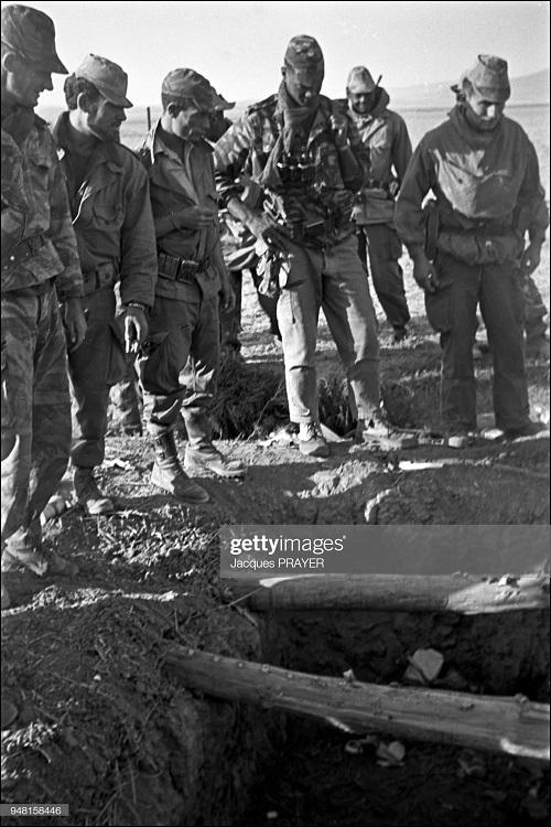 Спецназ флота нашел тайник 12 янв 1961 Жак Прэер.jpg