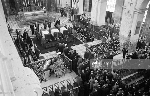 Похороны Бернара 1951 Уолтер кэрон.jpg