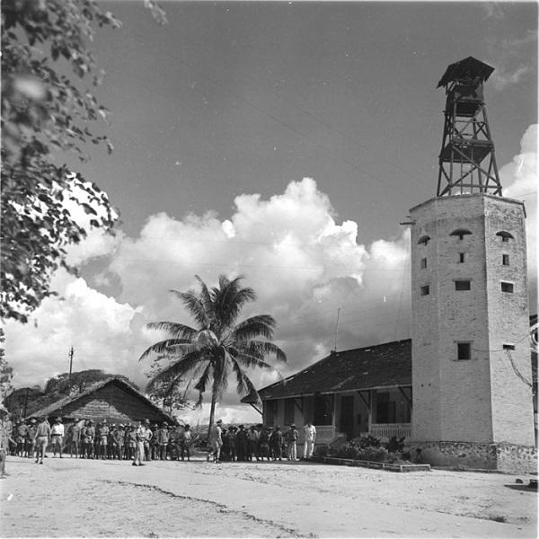пост в камбодже окт 1953 раймон вароки.jpg