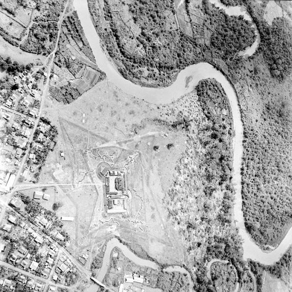 пост муонг Саи на меконге 1953 Жан Перо.jpg