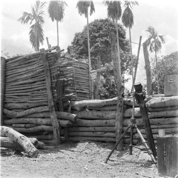 строительство поста в камбодже 1952 2.jpg