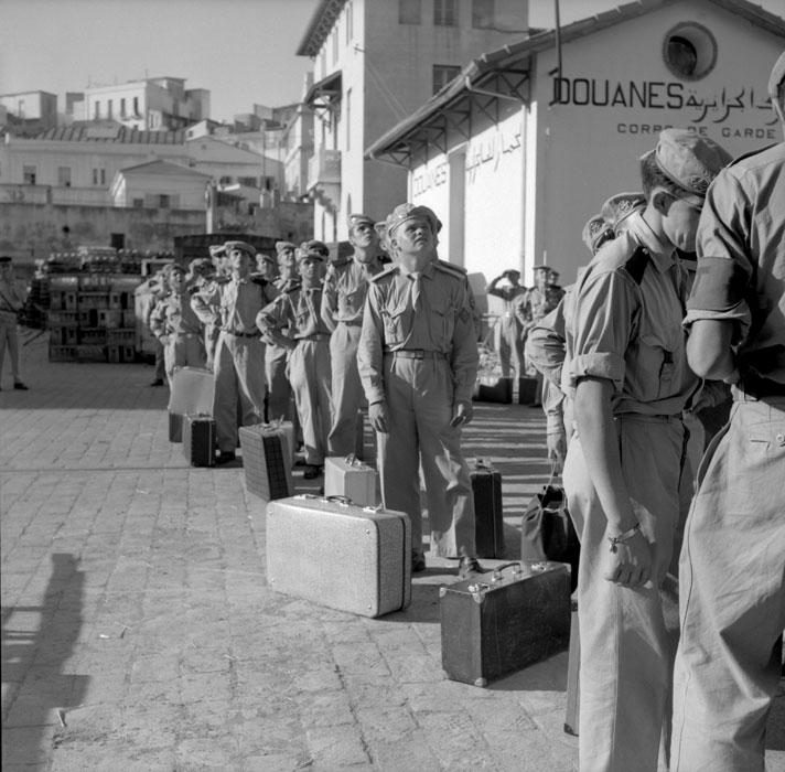 В ожидании погрузки на Эль Мансур июль 1963 Паньо.jpg