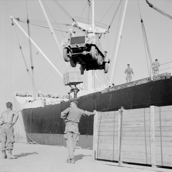 Погрузка грузовика июль 1963 Паньо.jpg