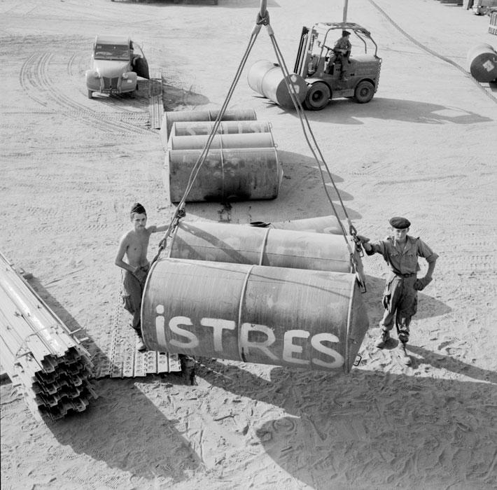 Погрузка контейнеров юль 1963 Паньо.jpg